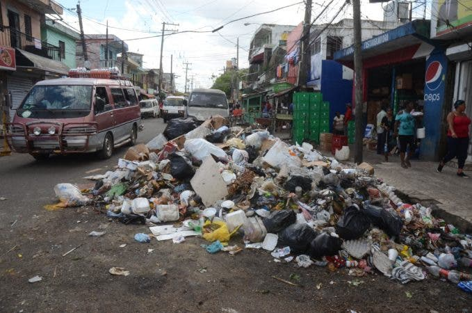 Reportaje a la basura, Santo domingo Rep. Dom. 03 de octubre del 2017. Foto Pedro Sosa
