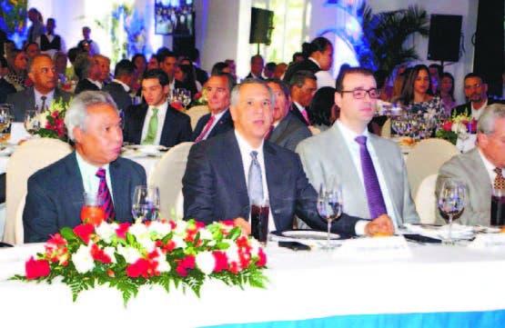 Peralta resalta coordinación Gobierno y sector privado