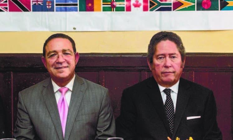José Sena y Fernando González Nicolás durante el almuerzo-conferencia