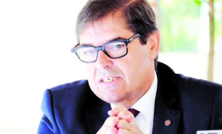 Julio Ernesto Abalde Alonso, rector de la Universidad Da Coruña, Galicia, España