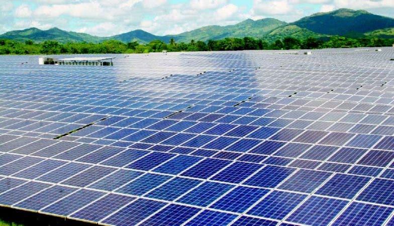 La primera fase del proyecto tiene 132,000 paneles solares