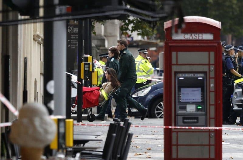 Varios atropellados afuera del Museo de Historia Natural de Londres; nivel de terrorismo es elevado a «grave»