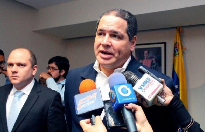 Opositor venezolano se reúne con Danilo y condiciona retorno del diálogo