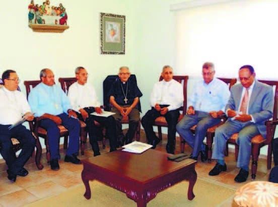Miembros de la CED junto a Lidio Cadet
