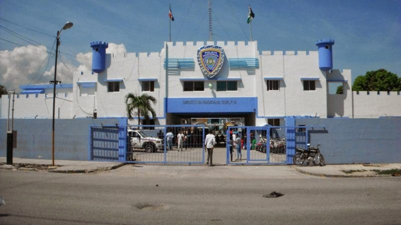 Resultado de imagen para Oficial retirado de la Policía mata una persona y hiere a 3 en Barahona