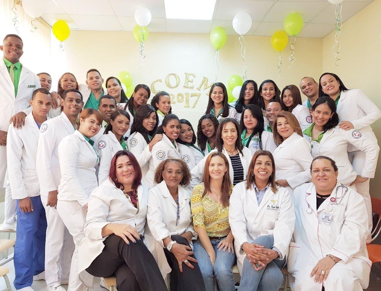Residentes y enfermeras de la Maternidad de Los Mina reciben capacitación sobre cuidados obstétricos de emergencia