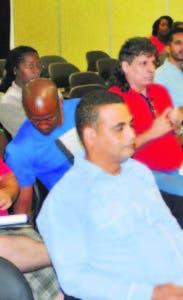óvenes Caribe en ruta agrícola.