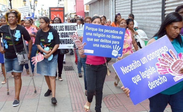 """La Coalición por la Salud y la Vida de las Mujeres destacó que """"ocupamos el quinto lugar en la región en embarazos a temprana edad, sólo superado por Nicaragua, Honduras, Venezuela y Ecuador""""."""