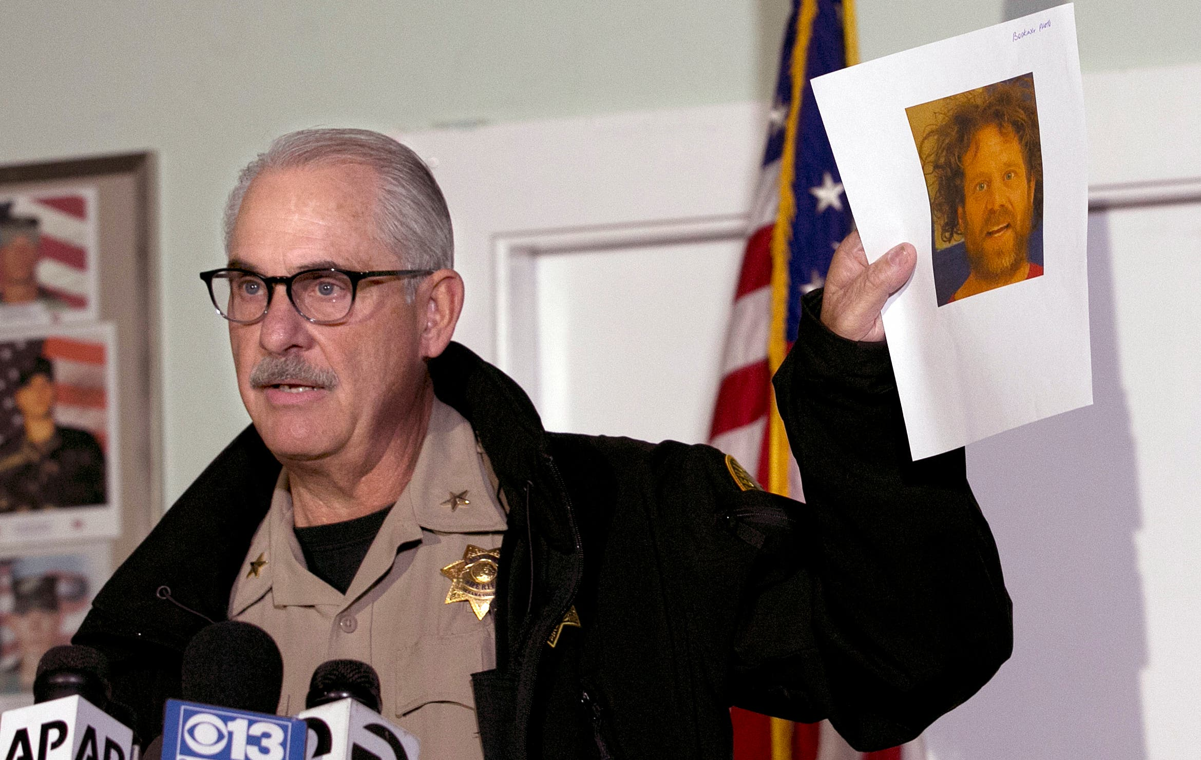 Asesino de California mató a su esposa horas antes de tiroteo cerca de colegio