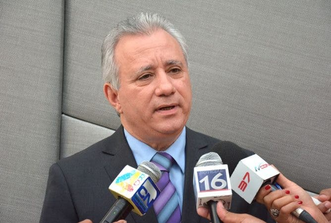 """AEIH rechaza """"secretismo"""" con que fueron escogidos miembros Procompetencia"""