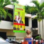Así luce todavía sede del CMD, quedó llena de afiches de candidatos, ayer solo los ganadores estuvieron