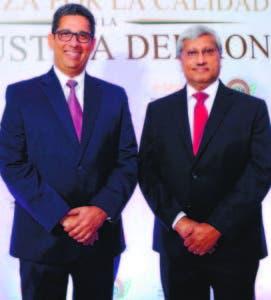 Augusto Ramírez, presidente Adopron, y Komal Samaroo