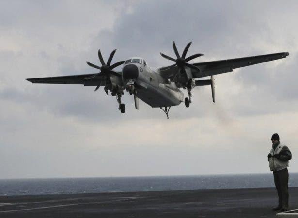 Avión militar de EEUU se estrella en el mar con 11 a bordo