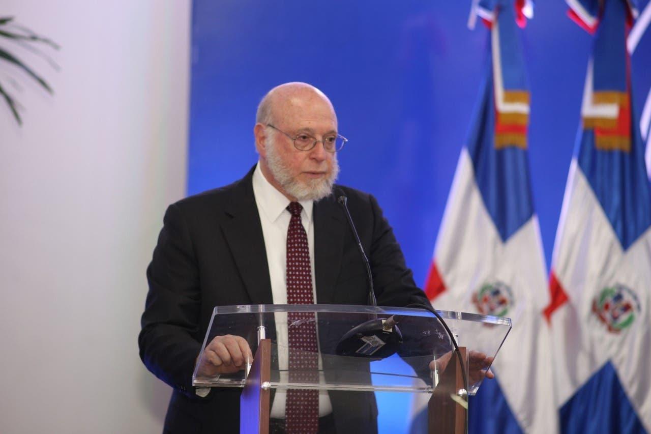 Ministro Vergés aboga por diplomacia cultural que acompañe a la política