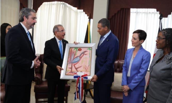 Medina realiza visita a primer ministro de Jamaica, Andrew Holness