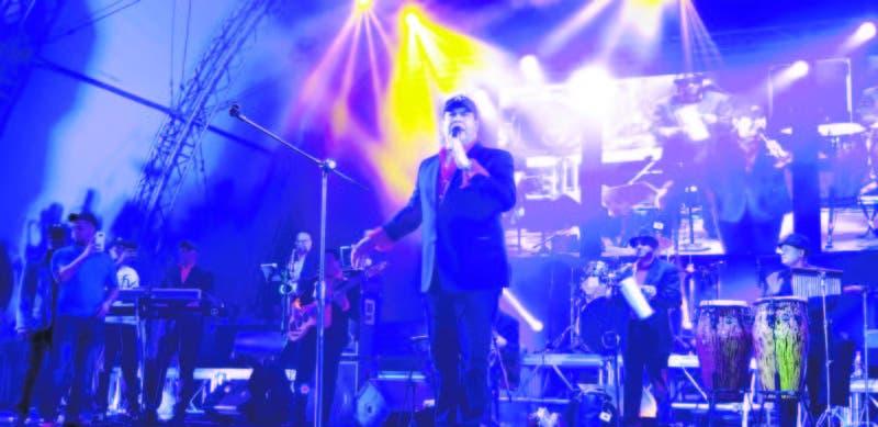 El destacado merenguero dominicano Fernando Villalona ofreció a los asistentes lo mejor de su repertorio incluyendo merengues y boleros que lograron perfecta conexión con el público.