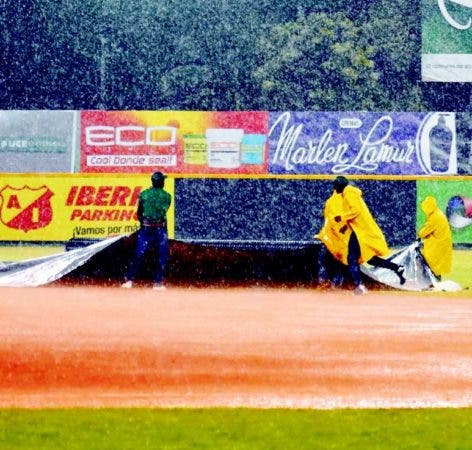 Lluvias siguen afectando al torneo de béisbol RD