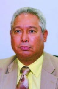El ministro Isidoro Santana.