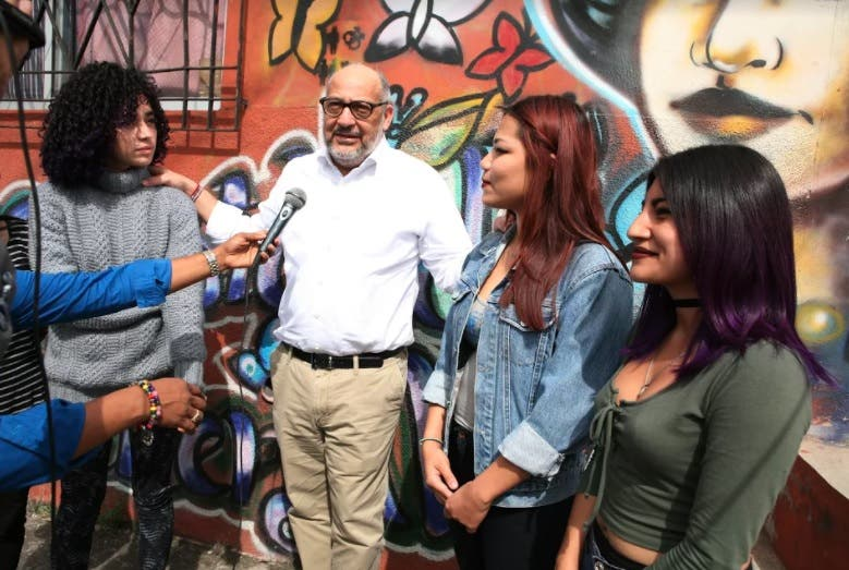 Embajador dominicano en Honduras agradece  mural de las Hermanas Mirabal