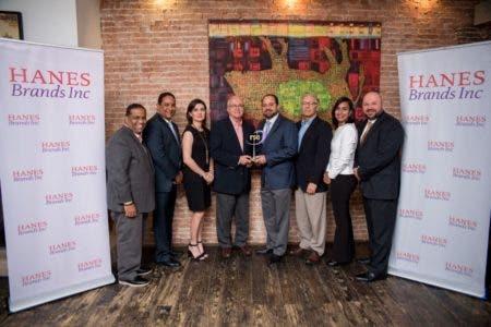 Hanesbrands recibe reconocimiento internacional por su programa de salud realizado en RD