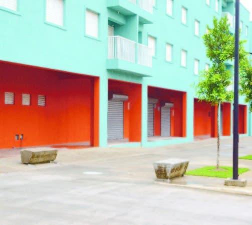 Locales cerrados en la primera planta de edificios de Nueva Barquita