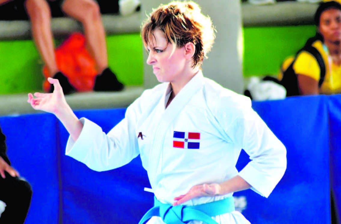 María Dimitrova, ganó medalla de oro para la República Dominicana, en las competencias de karate en kata, en la jornada de ayer