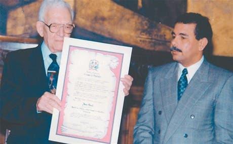 Danilo Medina y Juan Bosch.