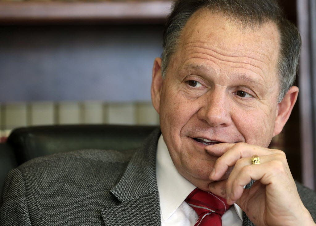 Candidato republicano al Senado de EEUU, acusado de abusar de niña de 14 años
