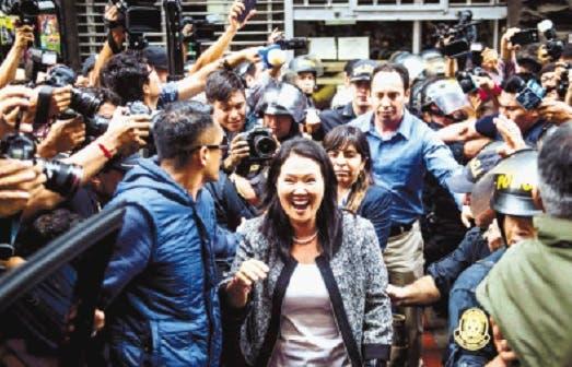 FOTOS | Cientos de personas marchan contra el indulto a Alberto Fujimori