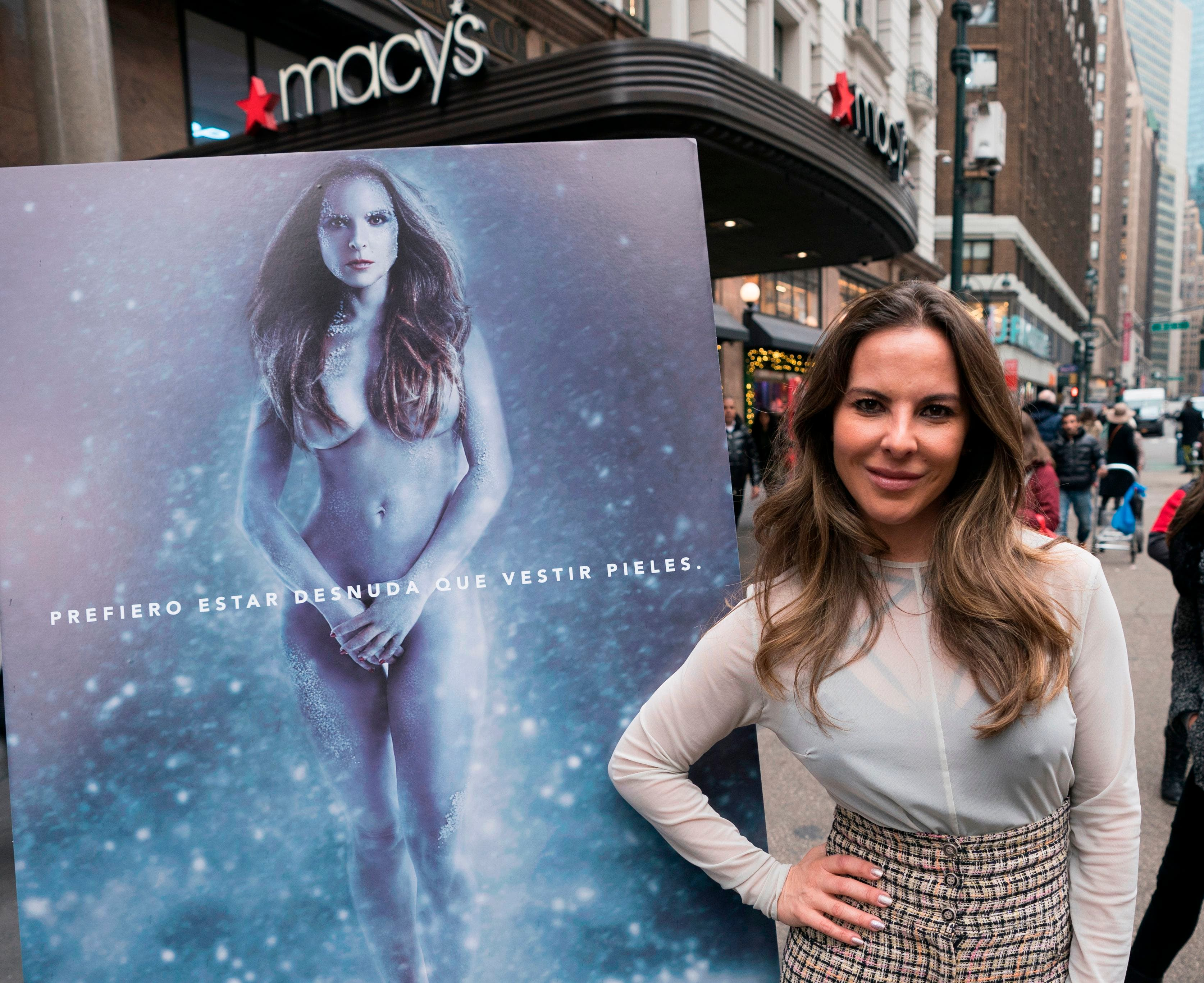 Kate del Castillo se desnuda en defensa de los animales