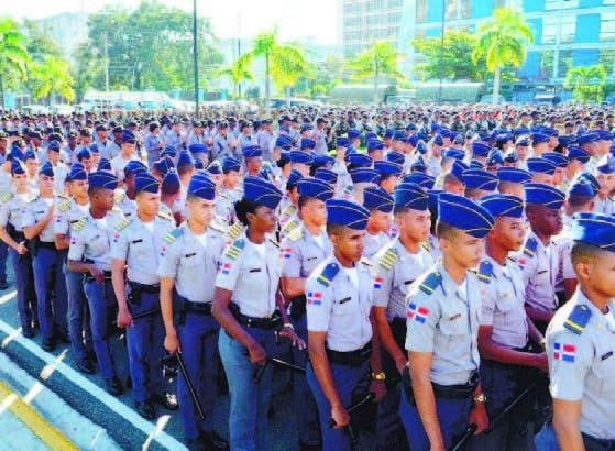 Agentes de la Policía Nacional durante inicio de operativo.