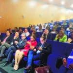 Autoridades de UNIBE, expositores y asistentes al Seminario sobre Participación política y Ley de Partidos