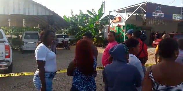 Matan vigilante en «drink» de Boca Chica