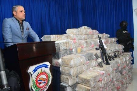DNCD decomisa 1026 paquetes de droga en las costas de Barahona