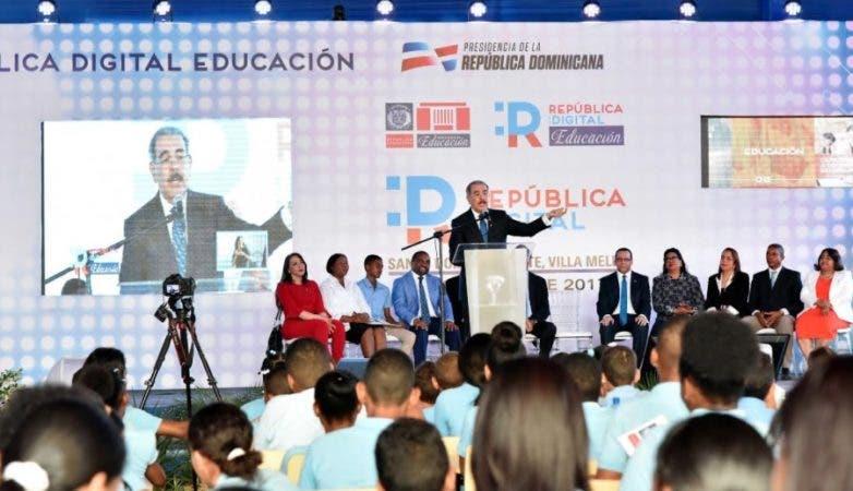 Presidente Medina durante la puesta en marcha del plan República Digital/@PresidenciaRD
