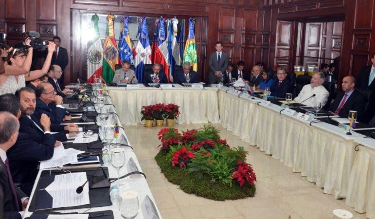 Gobierno y oposición de Venezuela retoman diálogo en Santo Domingo