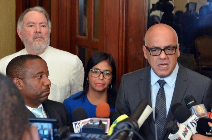 La oposición se burló de Venezuela — Roy Chaderton