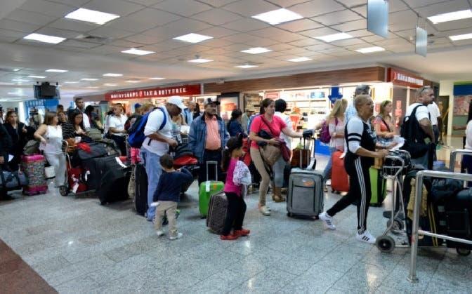 Así está hoy el aeropuerto donde cientos de personas quedaron varadas por suspensión de operaciones de Pawa Dominicana