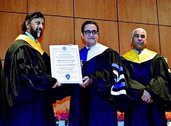 El doctor Rajendra Pachauri, Iván Grullón y Wilson Mejía.