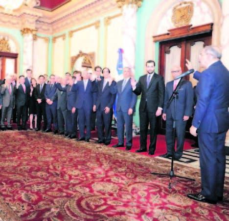 El presidente Danilo Medina juramentó a los miembros del Consejo