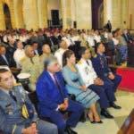 En primera fila general Torre Robiou junto a su esposa e invitados
