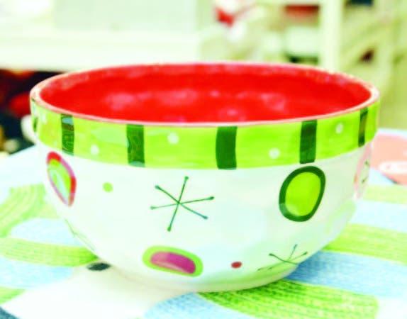 Esta ensaladera, bol, o tazón, como le llame, está disponible en la tienda Aliss de Galería 360