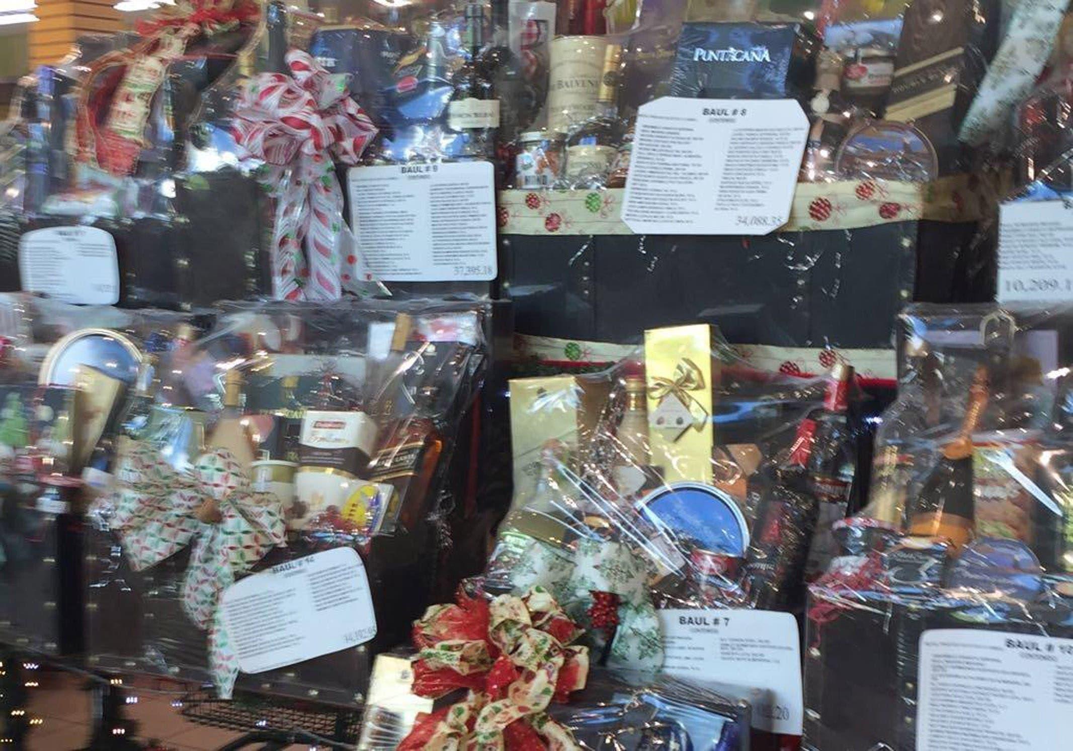 Canastas navideñaas en supermercados. 20-12-17 // FUente Externa.