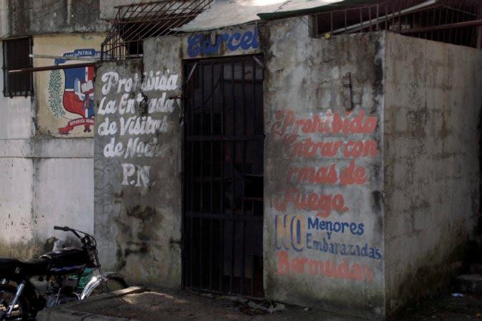 Reportaje sombre la cárcel de San Luis y la malas condiciones que tienes a los reos, o Privado de libertad en foto:  la cárcel de San Luis HOY Duany Nuñez 25-12-2017