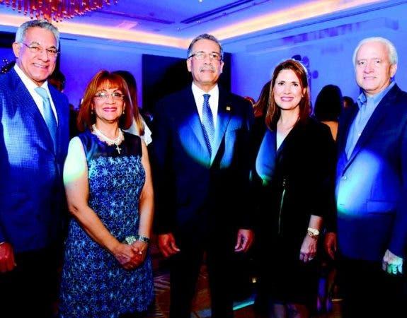 Jesús Rodríguez, Milagros Abreu, Simón Lizardo Mézquita, Ingrid de Peña y Nelson Peña