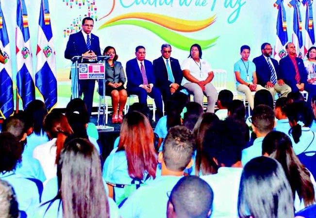 José Mármol resaltó los esfuerzos que se hacen para que la educación en el país sea una de las mejores