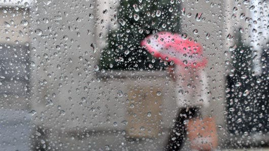 No olvides tu sombrilla, porque las lluvias continuarán esta tarde