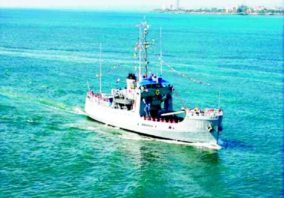 Armada busca una embarcación con 12 viajarían a PR