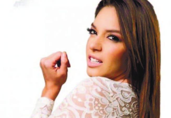 """La actriz dominicana Hony Estrella, es una de las protagonistas de la película """"Pa p i """"."""