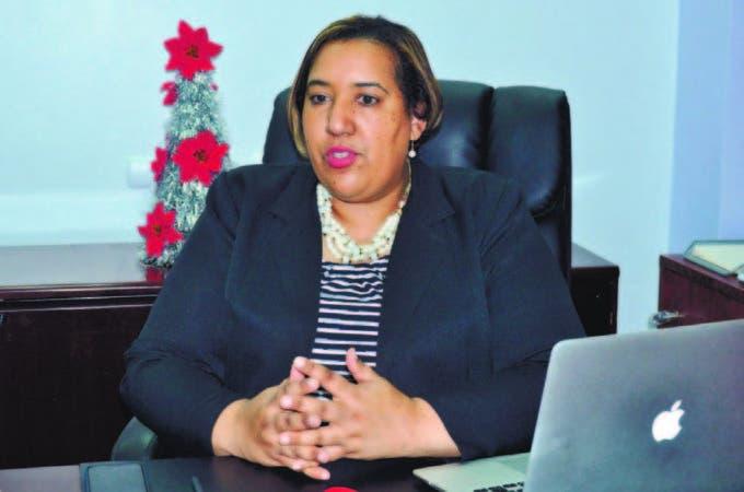 La doctora Giselle Vásquez, directora del Programa de Alto Costo, del Ministerio de Salud